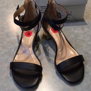 Expression black sandals